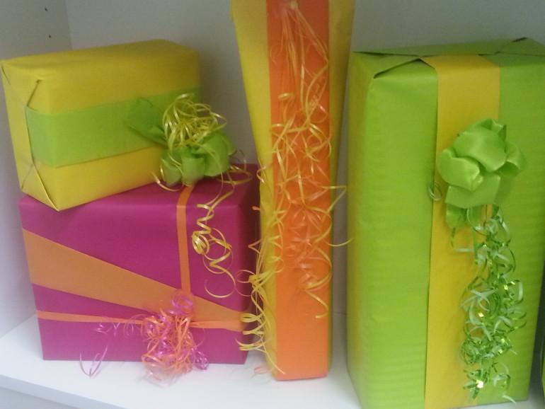 Geschenkverpackungen bunt