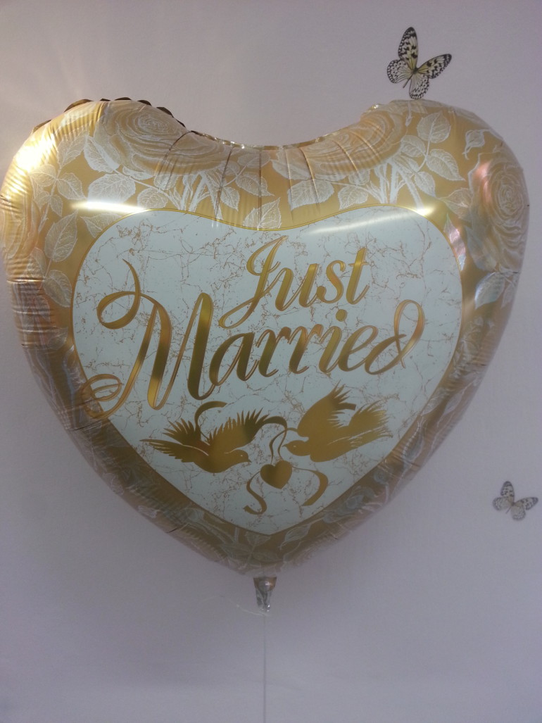 Folienherzballon Just married weiß gold