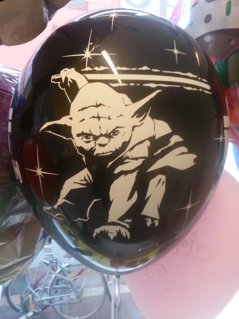 Latexballon schwarz Master Yoda