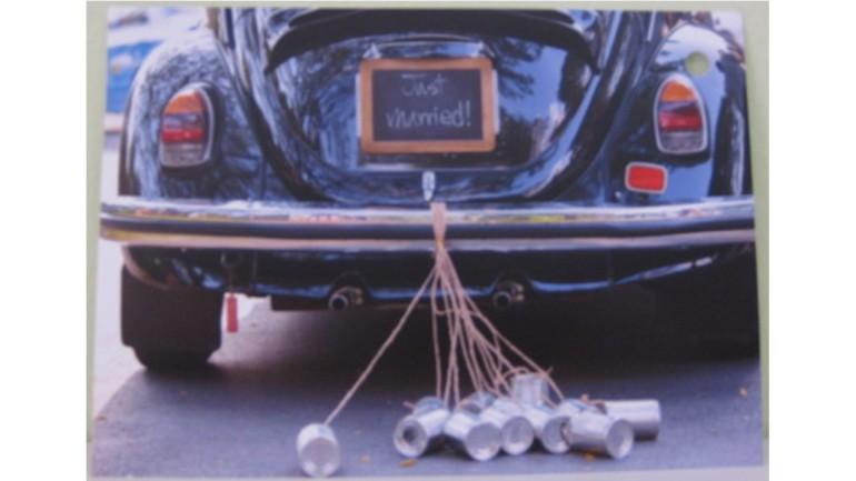 Flugkarte VW Käfer mit Blechdosen Just Marriede