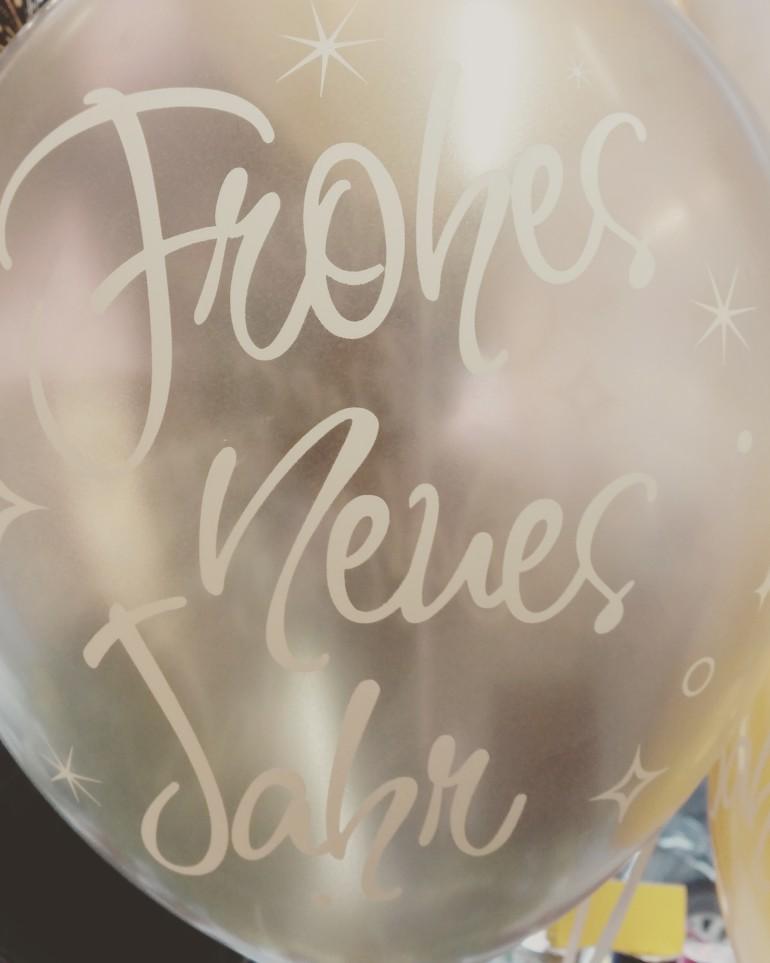 Latexballon Frohes Neues Jahr weiß