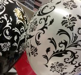 Latexballons schwarz weiß mit Ornamenten