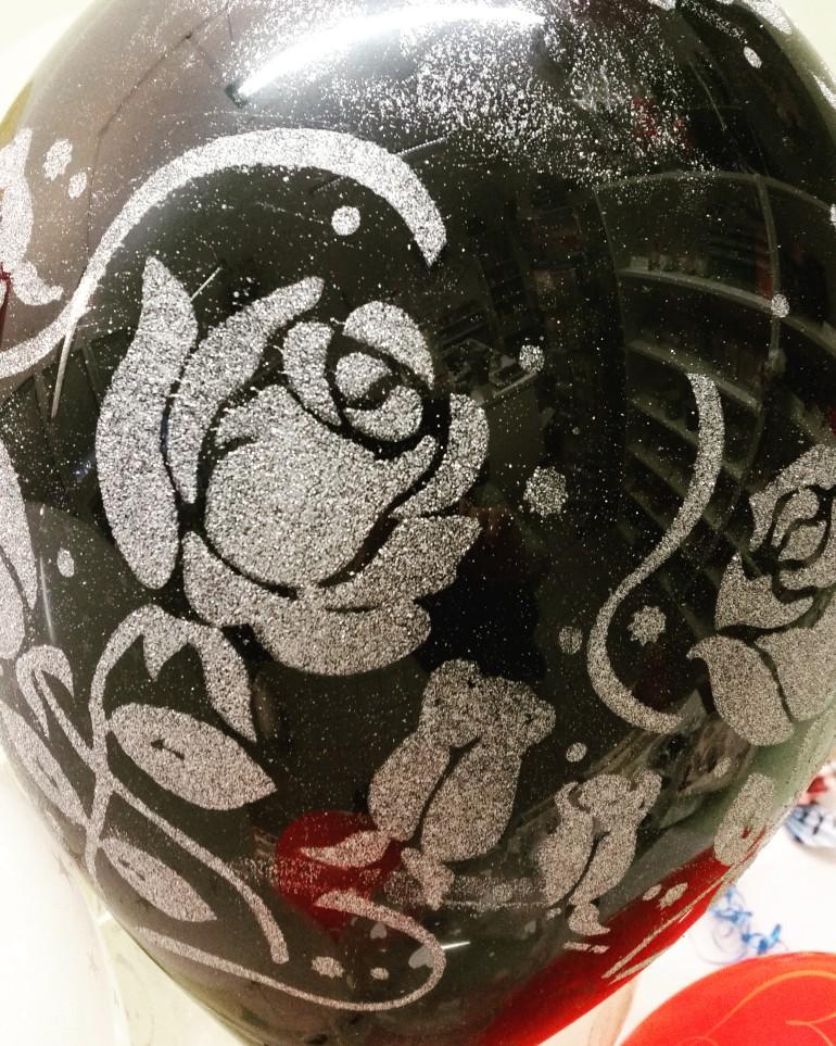 Latexballon silberglitzer Rosen