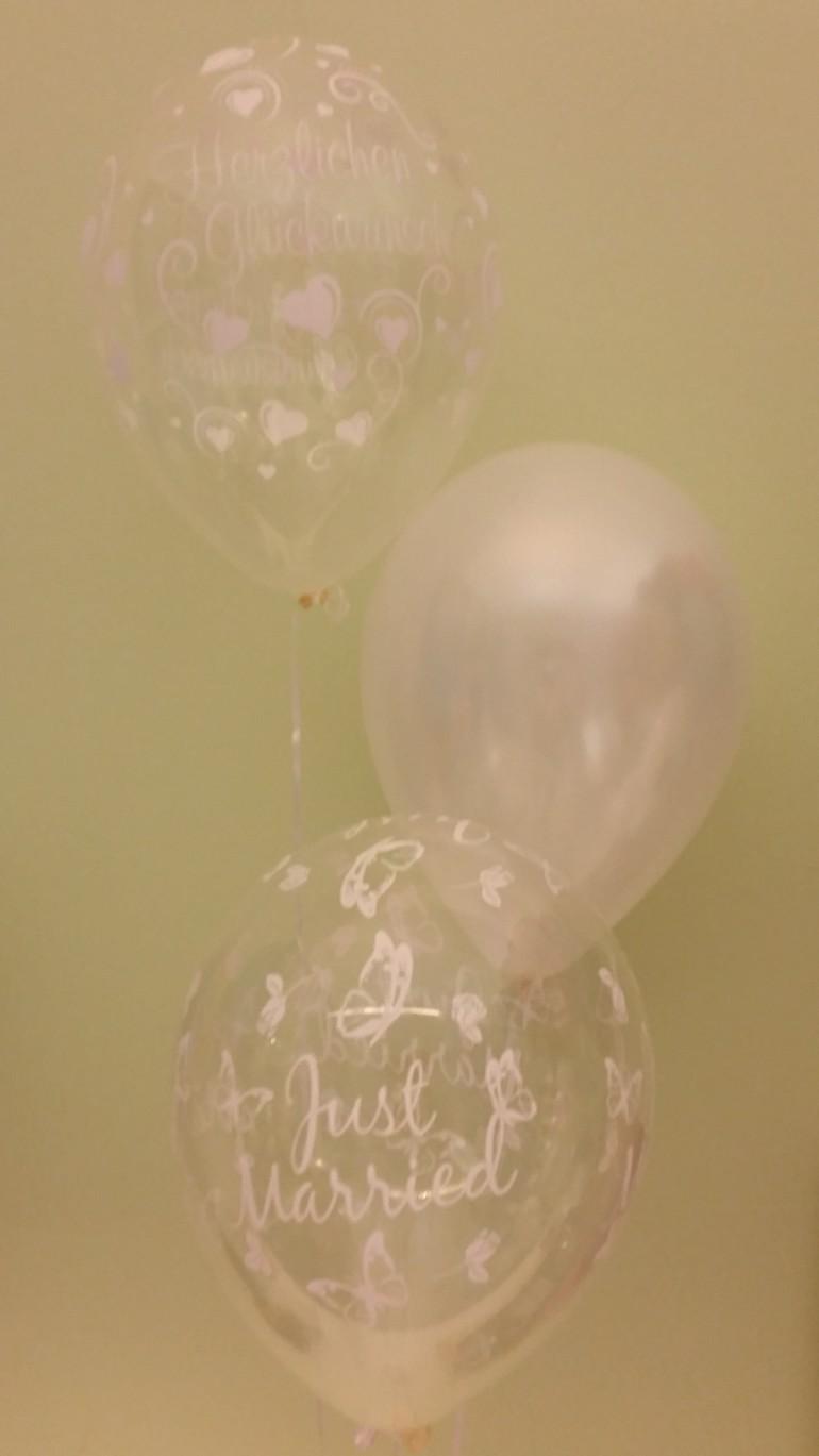 Hochzeitsluftballons in weiß und durchsichtig