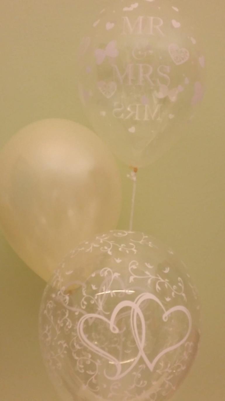 Hochzeitsluftballons durchsichtig und champagnerfarben