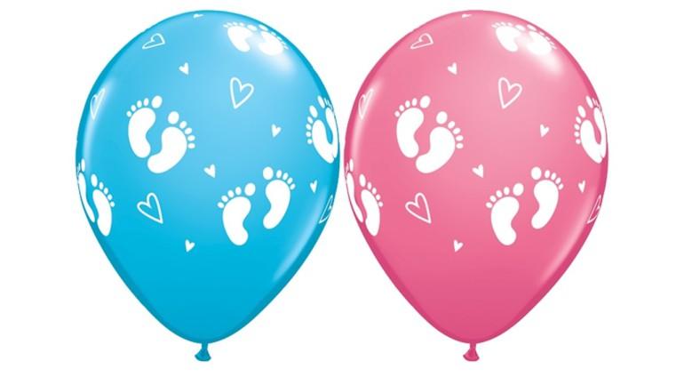 Latexballon mit Babyfussabdruck
