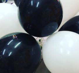 Schwarz/Weiß matte Luftballons 27 cm