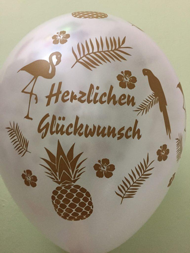 Herzlichen Glückwunsch mit Ananas, Flamingos und Papageien - Latexballon in bunten Farben!
