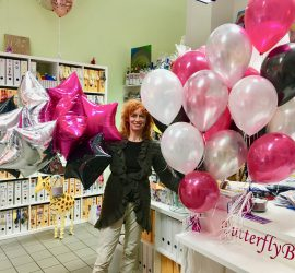 Foliensterne und Latexballons einfärbig seidenglanz in den Farben silber, schwarz, magenta und weiß