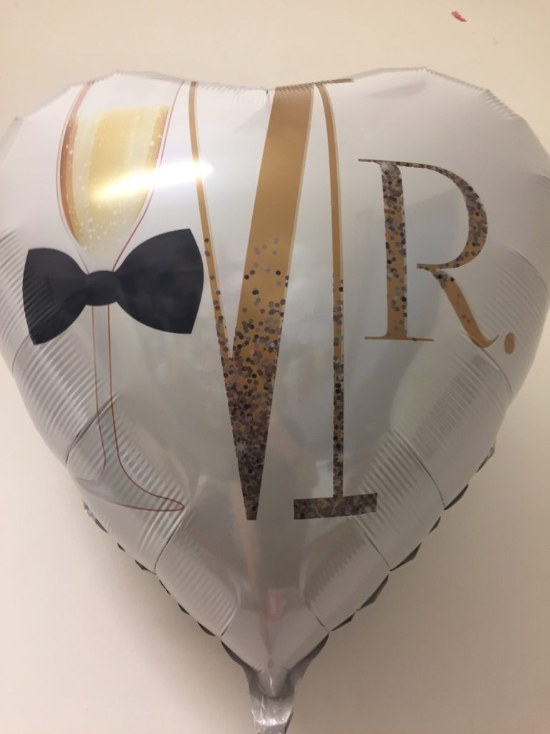 Folienherz MR mit Sektglas und schwarzer Fliege - zur Hochzeit - 70 cm groß